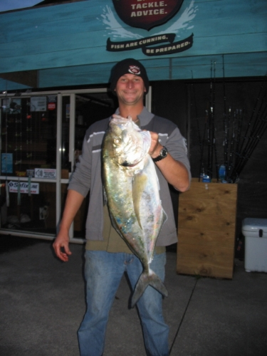 Chad from topcatch with 6kg trevally off the bricks!
