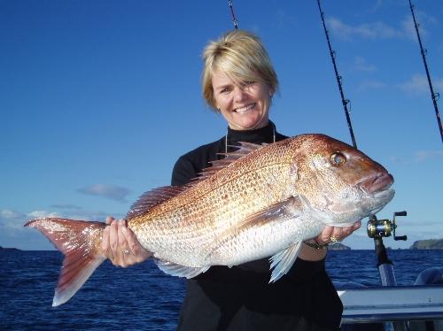 Karen Kerr with a good snapper on 6kg line.