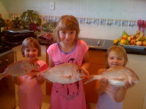 Sydney,Sophie,Chloe first big day fishing