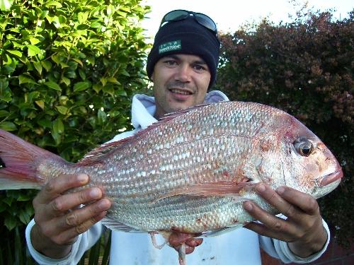 Bring the camera closer I heard it makes the fish look bigger!!
